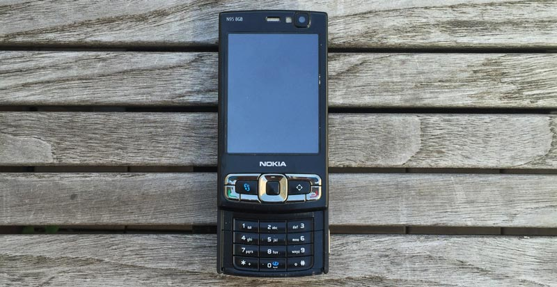 nokian95 nokia n95 cell feature phone mobile smartphone 8 gb device gigabyte portable buttons keypad screen photo